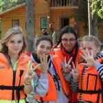 Путевки в оздоровительные лагеря для детей работников: что со взносами